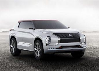 Mitsubishi GT-PHEV Concept  3-4 front
